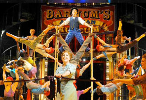 Barnum-Brian-Conley-coming-to-Leicester-Curve-Theatre-2