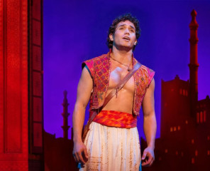 Disney-Aladdin-Musical-Adam-Jacobs-as-Aladdin