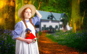 Redhead-Reach-Anne-of-Green-Gables-West-Midlands-Theatre